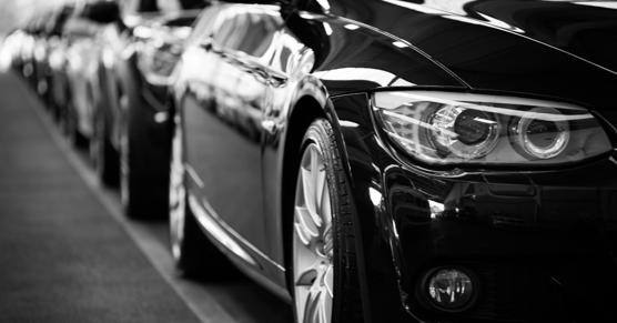 Diferentes marcas de carros